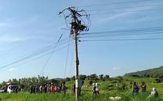 Công nhân sửa điện trung áp bị điện giật tử vong