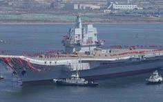 Trung Quốc đưa tàu sân bay tự đóng đi ngang eo biển Đài Loan