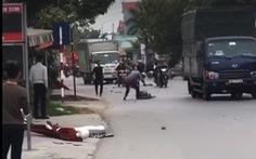 Hai nhóm công nhân 'huyết chiến', một người bị chém chết