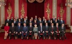 Các lãnh đạo NATO diện kiến nữ hoàng Elizabeth tại điện Buckingham