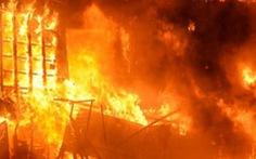 Nhà hàng bốc cháy lúc 3h30 sáng, 4 người thiệt mạng, nhiều người nhảy lầu bị thương