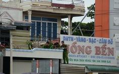 Bắt nghi can cạy mái tôn trộm gần 200 cây vàng ở Bình Thuận