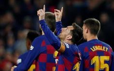 Messi lập hat-trick, Barca tiếp tục giữ đỉnh bảng bất chấp nỗ lực của Real
