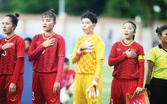 Lo thi đấu, cầu thủ nữ Việt Nam 'méo mặt' đóng tiền thi lại