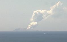 5 người thiệt mạng, nhiều người mất tích do ở gần núi lửa phun trào