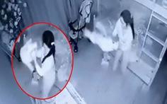 Vụ dốc ngược bé gái 1 tuổi ở TP Vinh: Khởi tố, bắt giam người giúp việc
