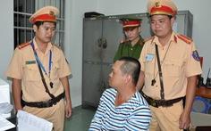 Phát hiện tài xế xe container sử dụng, tàng trữ chất ma túy