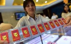 Giá vàng thế giới bật tăng, vàng trong nước vẫn thấp hơn 190.000 đồng/lượng
