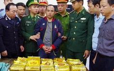 Bắt vụ vận chuyển gần 300kg ma túy đá