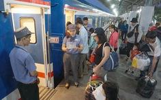 Tàu hỏa từ ga Sài Gòn vẫn chạy trong những ngày nghỉ tết