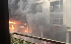 Cháy lớn trung tâm thương mại ở Bắc Ninh, nhiều gian hàng bị thiêu rụi