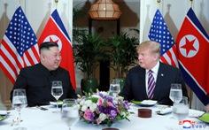 9h sáng nay, tổng thống Mỹ và chủ tịch Triều Tiên gặp mặt 'một đối một'