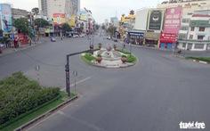 Thành phố ngày đầu năm với những nút giao thông... yên bình