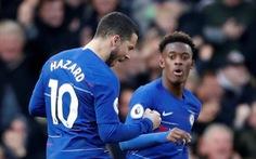 Hazard cứu Chelsea thoát thua ở phút 90+2