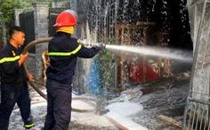 Cháy rụi cơ sở sản xuất mút xốp rộng 400m2
