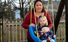 Búp bê 'bản sao' cho trẻ khuyết tật
