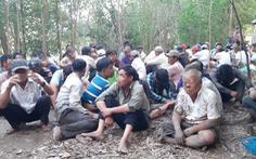 Cảnh sát lội sông phá sới bạc hàng trăm người trong rừng tràm