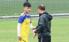 Quang Hải tập riêng, Đức Chinh tự tin có suất đá chính ở U-23 Việt Nam