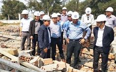 Thêm 1 người chết trong vụ sập tường đang thi công ở Vĩnh Long
