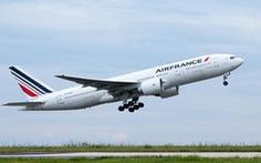 Máy bay chở khách từ TP.HCM tránh đụng máy bay khác trong tích tắc