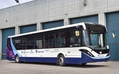 Xe buýt không người lái ra đường ở Anh