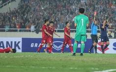 Cầu thủ Thái Lan đấm Đình Trọng bị cấm thi đấu 2 trận, phạt 1.000 USD