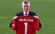 """HLV Solskjaer: 'Việc đầu tiên của tôi là gọi cho ông Alex Ferguson"""""""