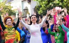 3.000 người mặc áo dài trên phố đi bộ Nguyễn Huệ sáng nay 3-3