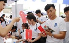 Rầm rộ tổ chức thi tuyển sinh riêng vào tháng 7