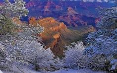 Kỳ quan Grand Canyon tráng lệ mùa tuyết rơi