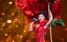 Hồng Nhung kịch tính cháy hết mình với La vie en rose