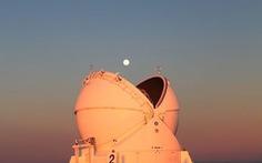 Siêu trăng kỳ ảo trong bộ ảnh thiên văn ấn tượng tháng 3