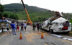 5 ôtô va chạm, đường xuyên Á ở Quảng Bình ách tắc nhiều giờ