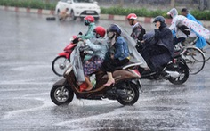 TP.HCM xuất hiện mưa 'vàng' giải nhiệt