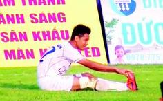 Tước băng đội trưởng, đình chỉ thi đấu 3 trận cầu thủ Cần Thơ tự đưa bóng vào lưới nhà