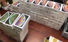 TP.HCM: Tạm giữ lô hàng iPhone, iPad hơn 4 tỉ đồng nghi nhập lậu