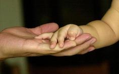Trẻ sinh ra từ DNA mẹ, tinh trùng cha và trứng hiến