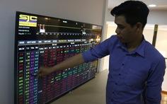 Bộ ba cổ phiếu Vingroup giảm mạnh, chứng khoán bất ngờ lao dốc