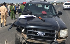 CSGT bị tài xế ôtô ép ngã đã tử vong
