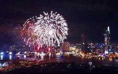 TP.HCM bắn pháo hoa 15 phút đón năm mới dương lịch