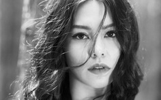 Người hát 'Ngày chưa giông bão' thành 'nàng thơ' của ban nhạc Anh Em
