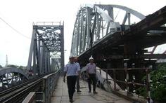 Lắp nhịp cầu Bình Lợi có khoang thông thuyền rộng 101m do Việt Nam thiết kế