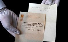 'Thuyết hạnh phúc' của Albert Einstein 'bán' được 1,56 triệu USD