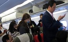 Khủng hoảng với 3 vị khách um sùm trên máy bay