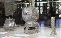 Quan xưởng triều Nguyễn: từ châu bản đến vật dụng cung đình