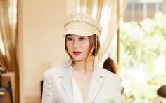 Thanh Hằng diễn Fashion Voyage trên vịnh Hạ Long