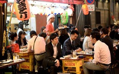Giám đốc ngân hàng Nhật kêu gọi 'ngừng nhậu với sếp' sau giờ làm