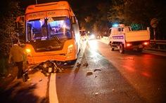 Xe máy đổ đèo Prenn tông thẳng xe khách leo đèo, 1 người chết, 1 nguy kịch