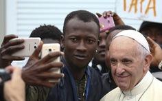 Đức Giáo hoàng tặng nửa triệu đô cho người di cư