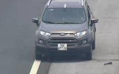Lái xe đi ngược chiều trên cao tốc bị tước giấy phép 5 tháng